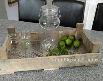 Dutch tulip crate - fixer upper crate - tulip crate - Farmhouse crate - Vintage Crate - Serving Tray - Fixer Upper Style - Fixer Upper Tray