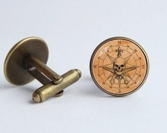 Pirate compass cufflinks Boyfriend gift Cufflinks compass Accessories for men Compass gift Pirate jewelry Vintage compass Traveling Skull