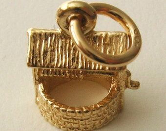 Genuine SOLID 9K 9ct YELLOW GOLD 3D Wishing Well charm/pendant
