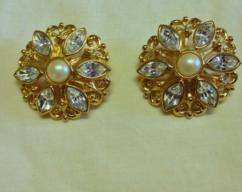 Vintage Avon Rhinestone and Pearl Clip Earrings
