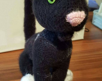 Amigurumi cat