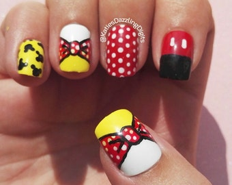 Handpainted Minnie mouse square fake press on nails