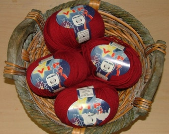 Lana Gatto VIP Yarn Made in Italy Color No 12246 Lot No 90421 Red Scarlet Christmas Red Crochet Knit