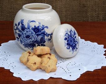 Vintage Sadler Blue and White Ginger Jar/Vase