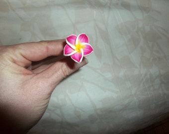 Pic fimo frangipanier rose Pink fimo hairstick tropical flower