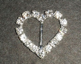 DIAMANTE BUCKLE -  Heart