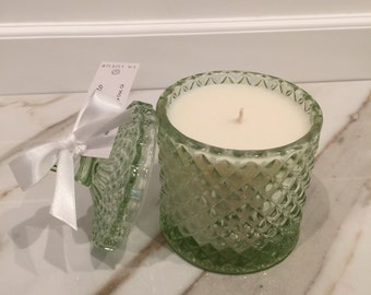 Light Green candle/ 27 hour burn time/ soy candle/ home decor