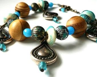 Feminine Western Bracelet