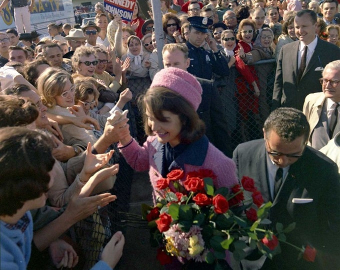 First Lady Jacqueline Kennedy Greets Admirers at Love Field on November 22, 1963 - 5X7 or 8X10 Photo (BB-346)
