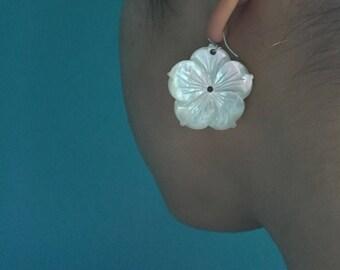 White Detailed Freshwater Pearl Flower Dangle Earrings