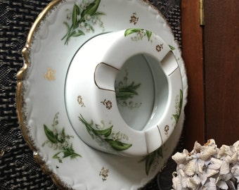 Unique Nikoniko Lily of the Valley Ash Receiver Two Piece Hand Painted Gold Trim Japanese China