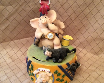 Highly collectible Piggin' Superstitious wind up figurine