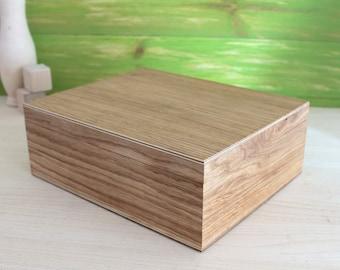 Wooden box, wood box, oak box, big box, large wooden box, rustic wood box, trinket box, jewelry box, storage box, handmade box, wood box
