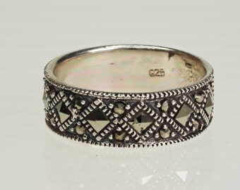 Antique Design Sterling Silver Marcasite Ring - Size 8