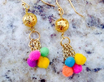Happy earrings with gold hooks