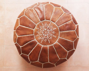 Leather moroccan pouf (tan / brown)