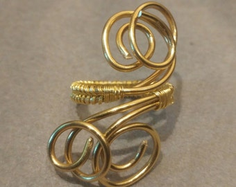 Twisted wire adjustable ring
