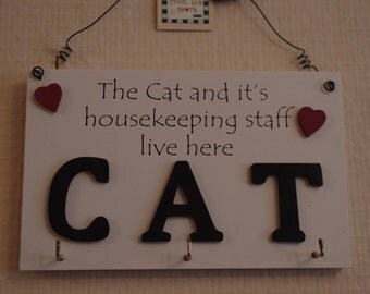 Key Hooks Cat The Cat And It's Housekeeping Staff Live Here F1187