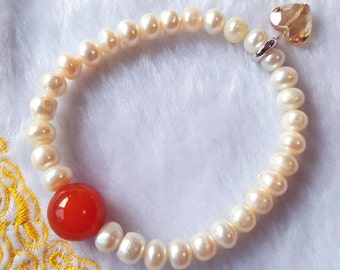 Attractive and Stunning Fresh Water Pearl Bracelet w Red Agate Bead