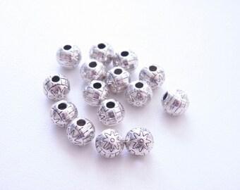 15pcs Beads 2.5mm hole