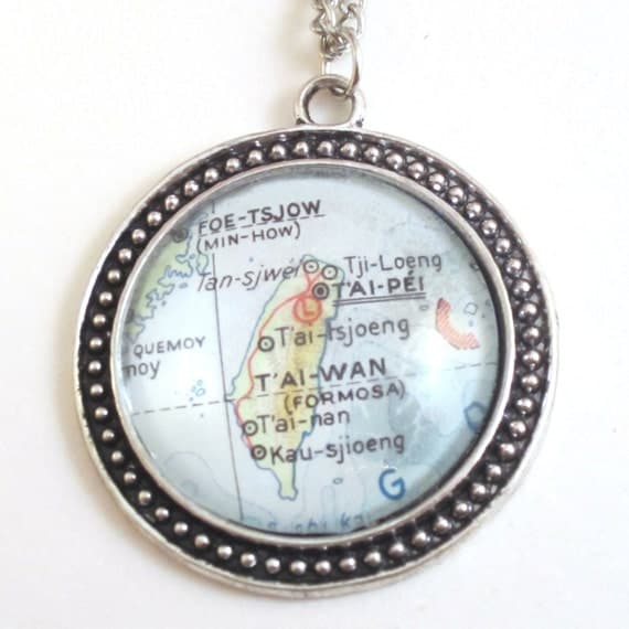 Map necklaces - Asia variations 30 mm