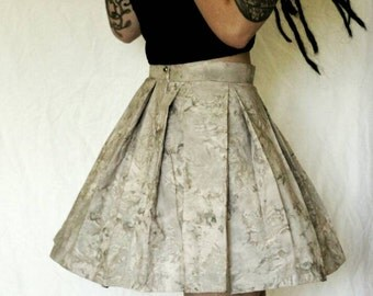 Uniqe marble-print skater-skirt