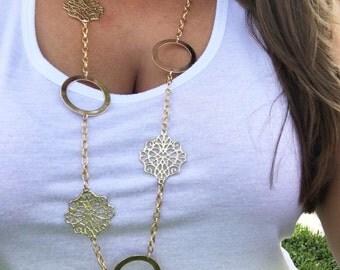 Simple & Elegant Gold Necklace