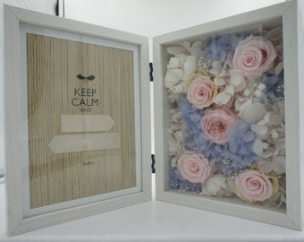 MOMENTS Preserved Flowers in Frame