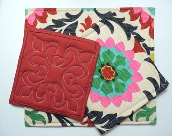 Flower and Red hotpad set