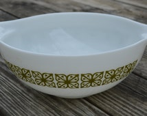 Pyrex mixing bowl, 4 quart, olive green, kitchenware, cookware,