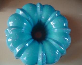 VINTAGE BLUE & WHITE Bunt Cake or Angel Food Pan