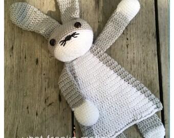 Crochet Ragdoll Bunny, grey, gehaakte lappenpop, konijn gehaakt, snuggle