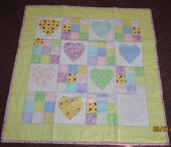 Applique Heart Baby Quilt, Machine Appliqued Baby Quilt, appliqued baby quilt, heart baby quilt