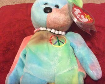 """Retired RARE Mint condition Ty """"Peace"""" bear, with necklace beanie baby"""