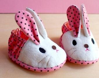 Elastic Baby Booties - Chubby Bunny 04