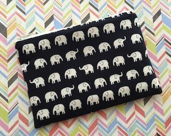 Little elephants on Navy - Zipper Pouch - Change Purse - Coin Purse - Wallet