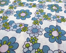 Vintage Fabric - 60s flower power - blue and green flowers