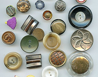 Lot (35) FUN Vintage Buttons Variety Different Materials and Sizes  plastic shell, Wood, Fabric ETC. 2500