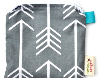 X Small 6.5 x 6.5 Wet bag / Reusable Snack Bag / Toys / Electronics / Grey Arrows Fabric Sealed Seams
