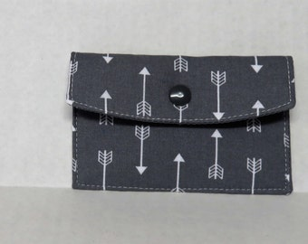Mini Wallet - Gift Card Holder - Debit Credit Card Case -  Business Card Case  - Snap Closure - White Arrows on Gray