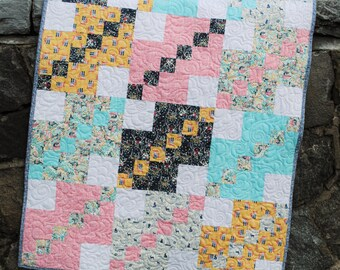 PDF Patchwork Quilt Pattern, ....five sizes Baby, Lap, Twin, Full, Queen and King. Easy beginner pattern. A Straight Path.