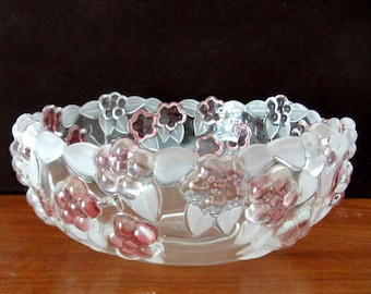 Studio Silversmith Fine Crystal Glass Bowl In The Venezia Pattern. Made in Germany