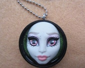 Rochelle Goyle - Monster High doll necklace