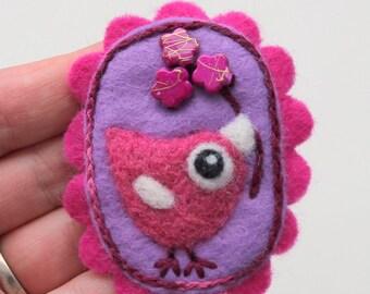 Brooch pin wool felt needle felted happy fuchsia pink birdie bird flowers