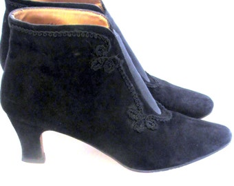 Sz 7 Black Suede/ Leather Ankle  Boots/Womens 80s/ Granny Boots/ Low heel Boots/ Braided Details