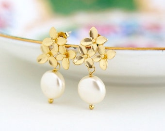 Pearl Wedding Earrings, Gold Pearl Earrings, Ivory Pearl, Gold Earrings, Bridal Earrings, Wedding Jewelry, Gold Flower Earrings