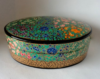 "Vintage 8 5/8"" Oval Kashmir Paper Mache Lacquered Trinket Box Wild Flower Blooms and Blossom Hand Made Painted Large Treasure Valet Dresser"
