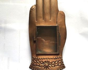 Tin Nicho #17 Mano/Hand Victoriana Style