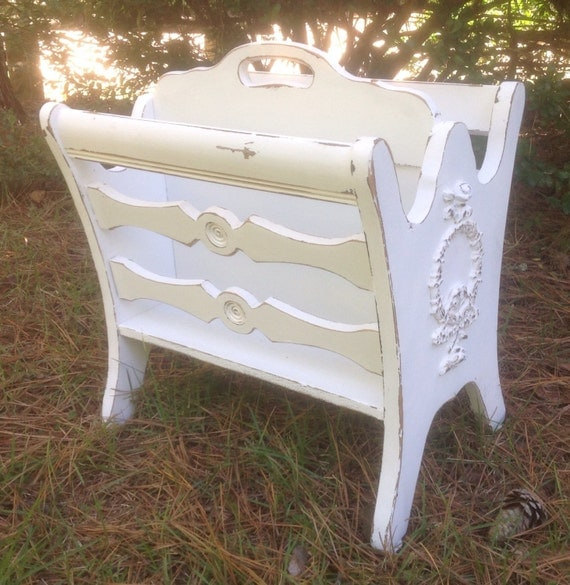 shabby cottage chic magazine holder rack painted cottage white. Black Bedroom Furniture Sets. Home Design Ideas