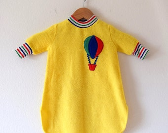SPRING SALE/ 20% off Vintage 70s Up and Away Yellow Fleece Baby Bunting with Hot Air Balloon Applique (size 1T)